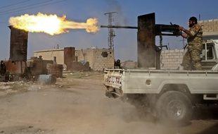 Un combattant turque dans la ville de Ras al-Ain au nord de la Syrie