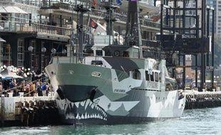 """L'association de lutte contre la pêche à la baleine Sea Shepherd a accusé lundi de """"lâcheté"""" le gouvernement australien, pour n'avoir proposé qu'une surveillance aérienne de l'océan Austral, où écologistes et baleiniers japonais sont en conflit."""