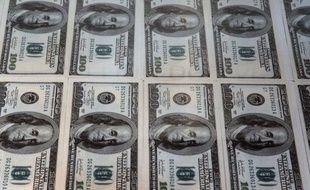 Le monde comptait 11 millions de millionnaires en dollars en 2011 mais leur patrimoine est en baisse pour la première fois depuis la crise de 2008, selon une étude publiée mardi par le groupe français de conseil Capgemini et la Royal Bank of Canada (RBC).