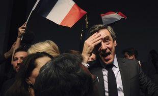 En meeting à Pertuis (Vaucluse) le 15 mars 2017, François Fillon s'est présenté comme un «combattant balafré».