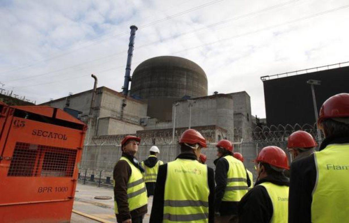 """Le réacteur 1 de la centrale nucléaire de Flamanville (Manche), temporairement arrêté samedi matin à la suite d'un """"dysfonctionnement"""", a été remis en fonctionnement samedi après-midi, a indiqué dimanche un communiqué d'EDF. – Charly Triballeau afp.com"""