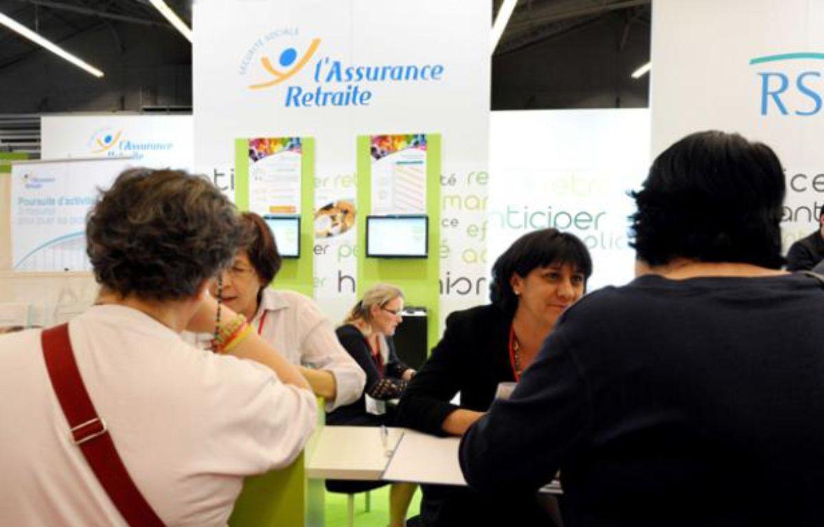 Le stand de l'assurance retraite de la sécurité sociale au Salon des séniors organisé à Paris en mars 2012. – DURAND FLORENCE/SIPA