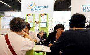 Le stand de l'assurance retraite de la sécurité sociale au Salon des séniors organisé à Paris en mars 2012.