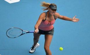 La Russe Maria Sharapova, N.2 mondiale s'est qualifiée pour la finale du tournoi WTA de Pékin en battant en demi-finale la Chinoise Li Na, N.8 mondiale, en deux sets 6-4, 6-0, samedi.