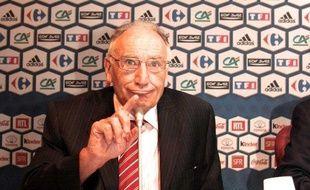 Le président de la fédération française de football, Jean-Pierre Escalettes, lors d'une conférence de presse le 12 août 2008 à Paris.