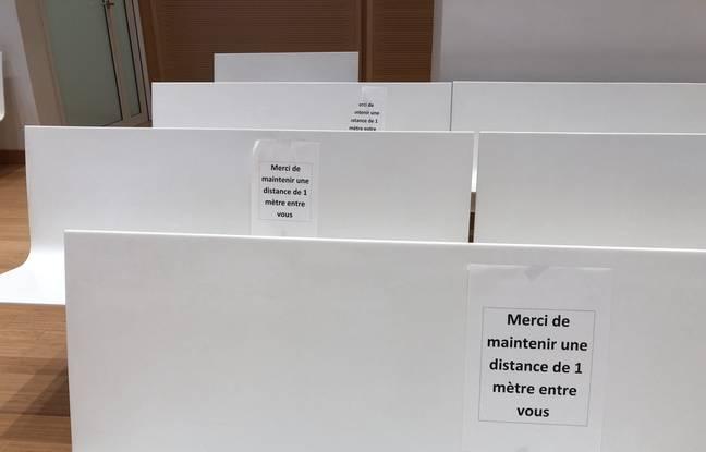 Des mesures de distanciation sociale sont demandées au palais de justice de Paris.