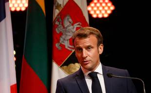 En déplacement en Lituanie, Emmanuel Macron a reçu la leader de l'opposition biélorusse et lui a assuré son soutien.