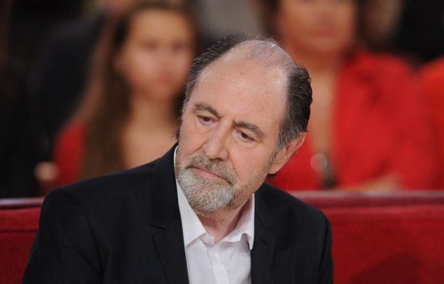 Le chanteur Michel Delpech sur le plateau de «Vivement Dimanche» le 15 novembre 2014