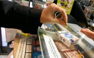 Le prix moyen d'un paquet de cigarettes passera à 6,25 euros dès le mois d'octobre et à 6,60 euros en 2012.