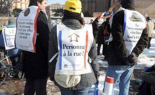 """Près de 80% des communes de la région parisienne de plus de 10.000 habitants n'ont pas de place d'hébergement pour les plus pauvres, souligne dans une enquête publiée mercredi le Secours catholique, qui s'inquiète d'un phénomène de """"ghettoïsation""""."""