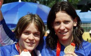 Chausson et Le Corguille médaillées en BMX à Pékin, le vendredi 22 août.