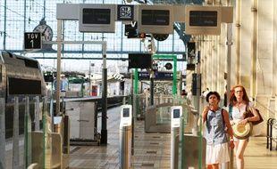 Portiques de sécurité d'accès aux quais, en gare Saint-Jean à Bordeaux, le 11 juillet 2018.
