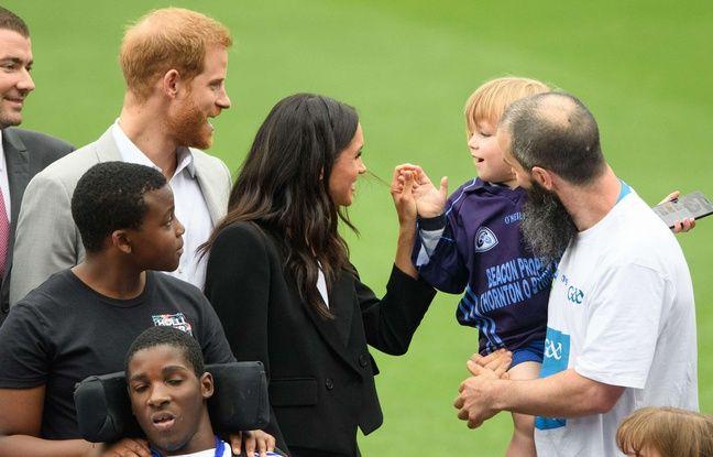 Meghan Markle et le prince Harry gagas avec les enfants en Irlande... La rappeuse Cardi B a donné naissance à une petite fille...