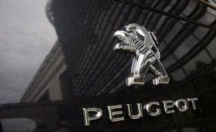 Le groupe PSA Peugeot Citroën a ouvert mercredi avec les organisations syndicales un cycle de négociations visant à leur faire partager sa vision stratégique et à renforcer le dialogue social pour redresser l'entreprise et préserver son ancrage en France, face à un marché en berne.