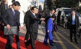 Le président chinois Hu Jintao a quitté samedi matin l'aéroport de Nice à destination du Portugal, au terme d'une visite de 48 heures en France.