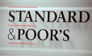 L'agence Standard & Poor's, qui a renoncé à abaisser dans l'immédiat la note du Portugal en raison des incertitudes concernant la sortie du plan d'aide international en mai prochain, a salué toutefois l'engagement du pays à respecter ses objectifs de réduction des déficits.