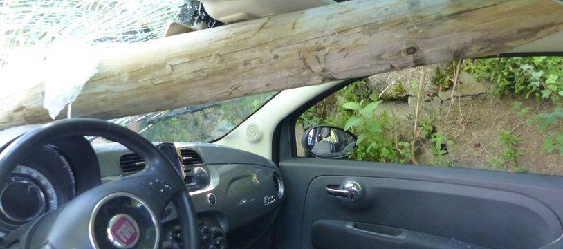 La fameuse Fiat 500 après l'accident.