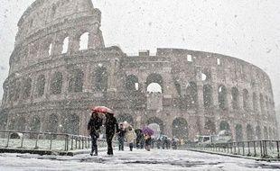 Le Colisée sous la neige, Rome, le 12 février 2010.