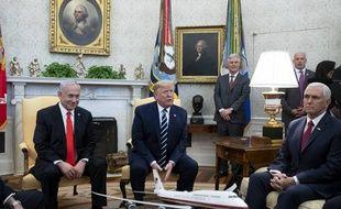 Donald Trump, Benjamin Nétanyahou et le vice-président américain Mike Pence à la Maison-Blanche, le 27 janvier 2020.