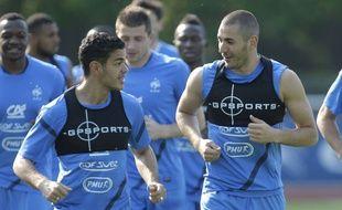 Hatem Ben Arfa et Karim Benzema à l'entraînement avec l'équipe de France, en mai 2012.