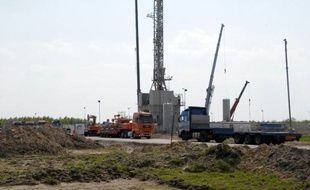 Le pétrole et le gaz de schiste aux Etats-Unis suscitent un appétit vorace de la part de géants internationaux comme le français Total, le chinois Sinopec ou le fonds américain KKR, dans un contexte de raréfaction des gisements d'hydrocarbures traditionnels.