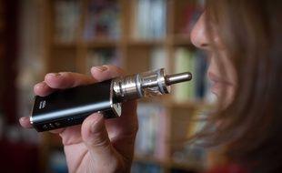 La e-cigarette continue d'alimenter les débats entre scientifiques.