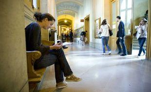 Ambiance dans les locaux de l'Universite Paris-Sorbonne ( Paris IV ) avant les examens en juin 2009.