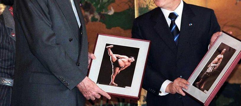 Jacques Chirac rencontre le Premier ministre Ryutaro Hashimoto lors de sa visite d'Etat au Japon, le 18 novembre 1996.