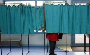 Hénin-Beaumont, le 22 avril 2012. Illustration sur le vote pour le premier tour de l'élection présidentielle dans le bureau de Marine le Pen (FN).