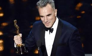 L'acteur britannique Daniel Day-Lewis a reçu un troisième Oscar du meilleur acteur pour le film Lincoln, lors de la 85e cérémonie, le 24 février 2013.