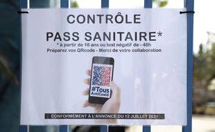 Un panneau annonçant le contrôle du pass sanitaire. (illustration)