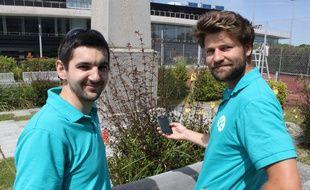 """Charles Moszkowicz et Jean-Charles Simonin lancent le 20 juin 2017 Biodiv Go, un jeu pour smartphone qui s'inspire de """"Pokemon Go"""", mais au service de la biodiversité."""