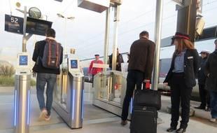 Des portiques anti-fraudes avant l'accès au quai en gare de Nantes (illustration)