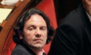 """Frédéric Lefebvre, porte-parole de l'UMP, a plaidé, sur France 2 dimanche, pour une """"répartition intelligente"""" des rôles entre le gouvernement et l'UMP, après une série de couacs entre l'exécutif et le Parlement."""