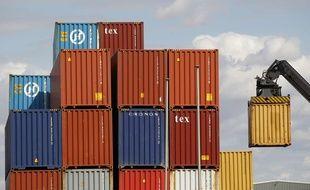 Illustration: Des conteneurs sur les dock de Tilbury, à l'est de Londres, le 16 août 2014.