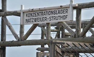 Vue en date du 16 avril 2015 de l'entrée de l'ancien camp de concentration du Struthof (Bas-Rhin)