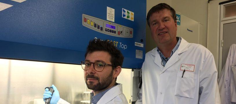 Le docteur Saviano (à gauche) avec le professeur Baumert.