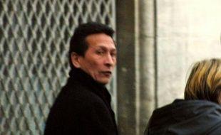 Raymond Mihière quitte le tribunal de Nîmes, le 19 janvier 2001