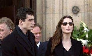 Le philosophe Raphaël Enthoven et Carla Bruni.
