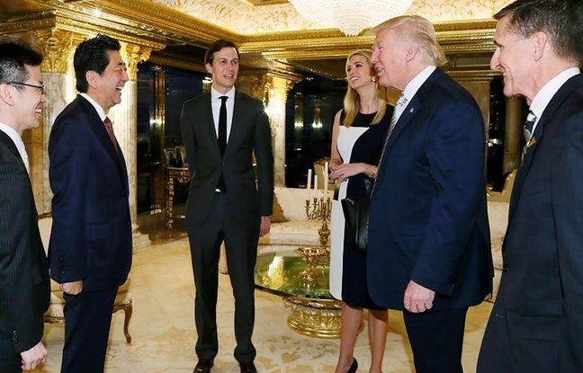 Donald Trump reçoit le Premier ministre japonais Shinzo Abe, en compagnie de sa fille Ivanka et de son gendre Jared Kushner.