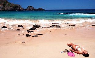 La plage Baia do Sancho, Fernando de Noronha, au Brésil.