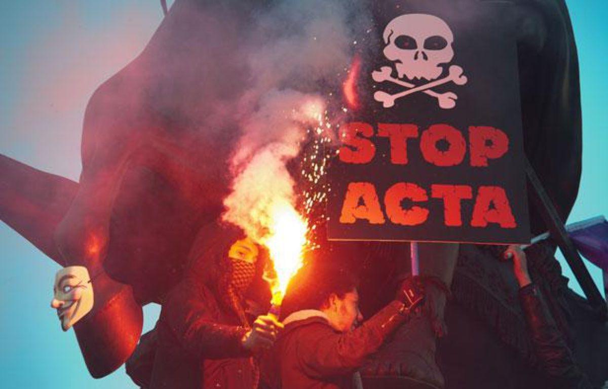 Manifestation des Anonymous et du collectif La Quadrature du Net  contre la mise en place de l'ACTA, un accord international  anti-contrefacon pour lutter contre le piratage internet. Paris le 11 fevrier 2012. – ALEXANDRE GELEBART/20 MINUTES