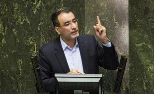 Reza Faraji Dana, ministre iranien des Sciences, s'adresse au Parlement après sa révocation, le 20 août 2014