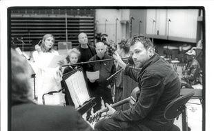 Damon Albarn a appris à diriger chœur et orchestre pour ce nouveau projet.