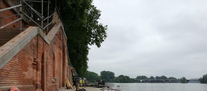Le chantier des quais sur les berges de la Garonne, au quai de Tounis, à Toulouse.