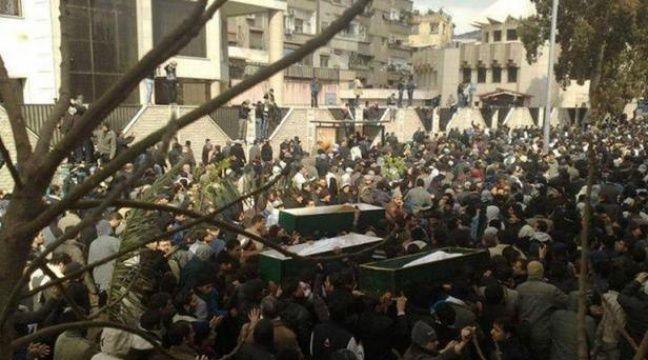 Le régime syrien renforce ses troupes dans la ville rebelle de Homs (centre), où la situation humanitaire devient insoutenable, et les maintient en état d'alerte dans la capitale Damas, théâtre de manifestations inédites ces derniers jours. –  afp.com