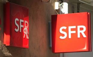 Une enseigne SFR.