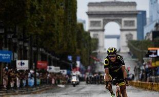 Sylvain Chavanel est entré seul sur les Champs-Elysées pour son dernier Tour de France