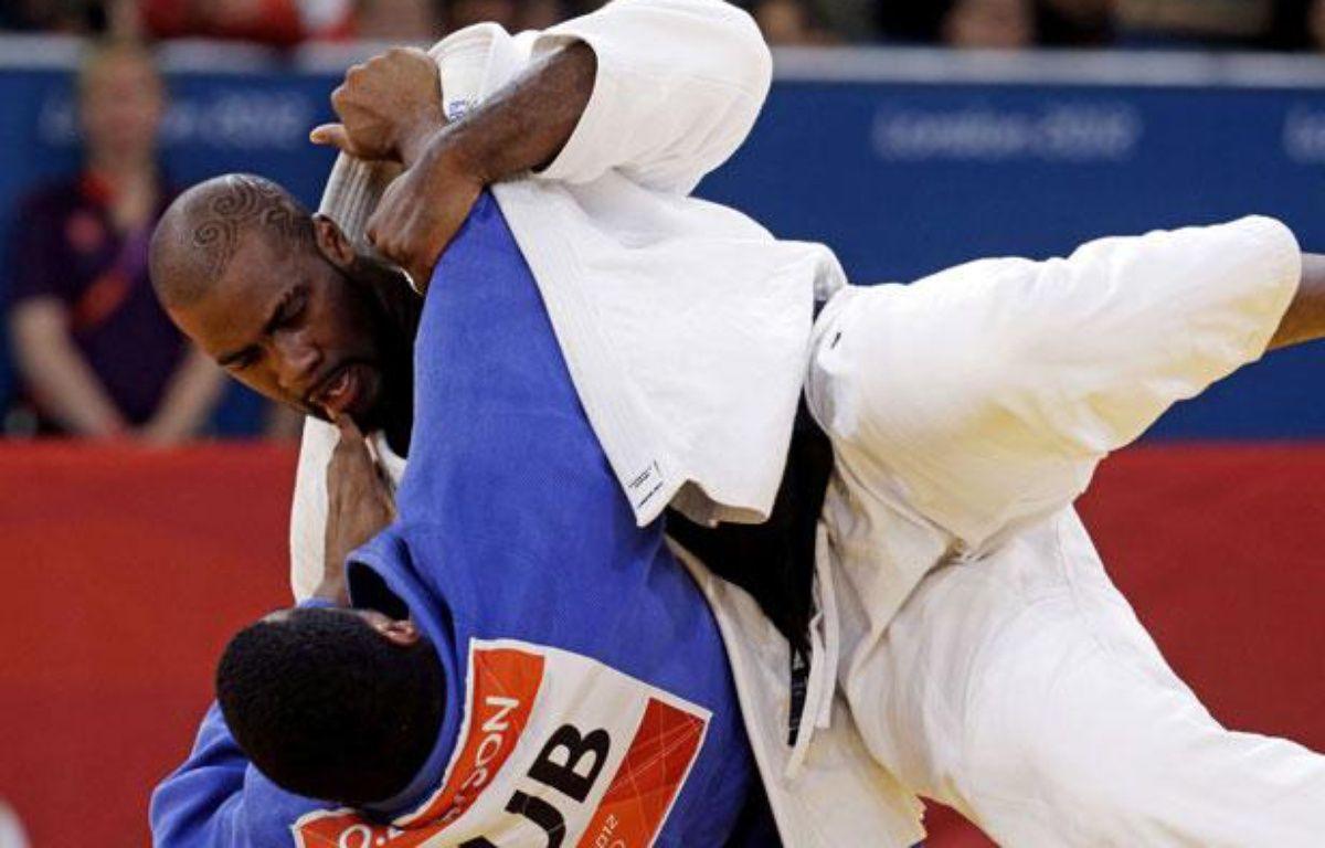 Teddy Riner lors d'un combat à Londres le 3 août 2012 – Paul Sancya/AP/SIPA