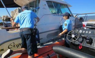 Marseille le 16 JUILLET 2014, les gendarmes maritimes procèdent à des contrôles en mer autour du Frioul